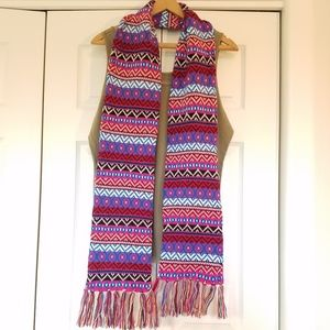 Maurices Pink and Blue Geometric Scarf. NWOT